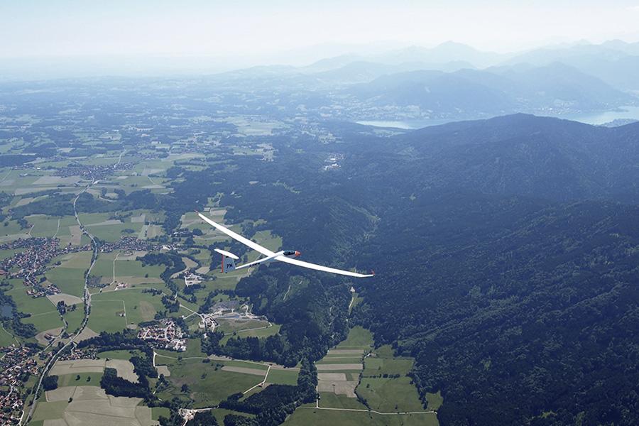 Teamflug in der Gegend vom Teegernsee in Bayern.