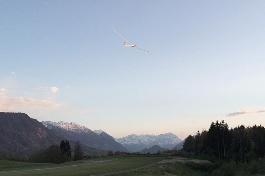 Nach 1103 OLC Streckenflug - Kilometern und 11:05 h Flugzeit wieder zurück am Platz.